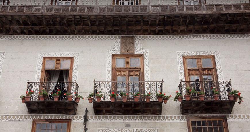 Instalación de Balcones de Madera