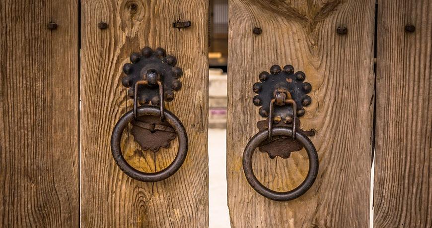 Cómo decorar con puertas de madera