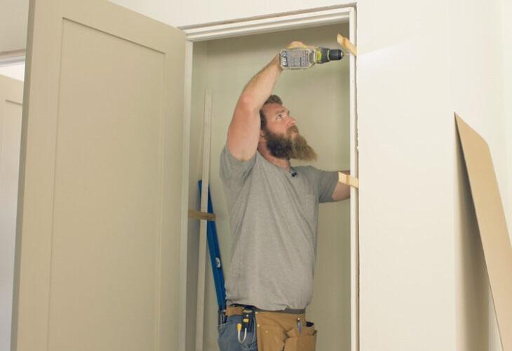 Cómo instalar las puertas de interior