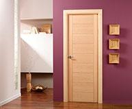 Puertas de madera abatibles