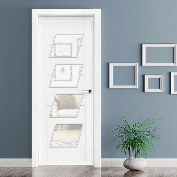 Puertas a medida con vidriera